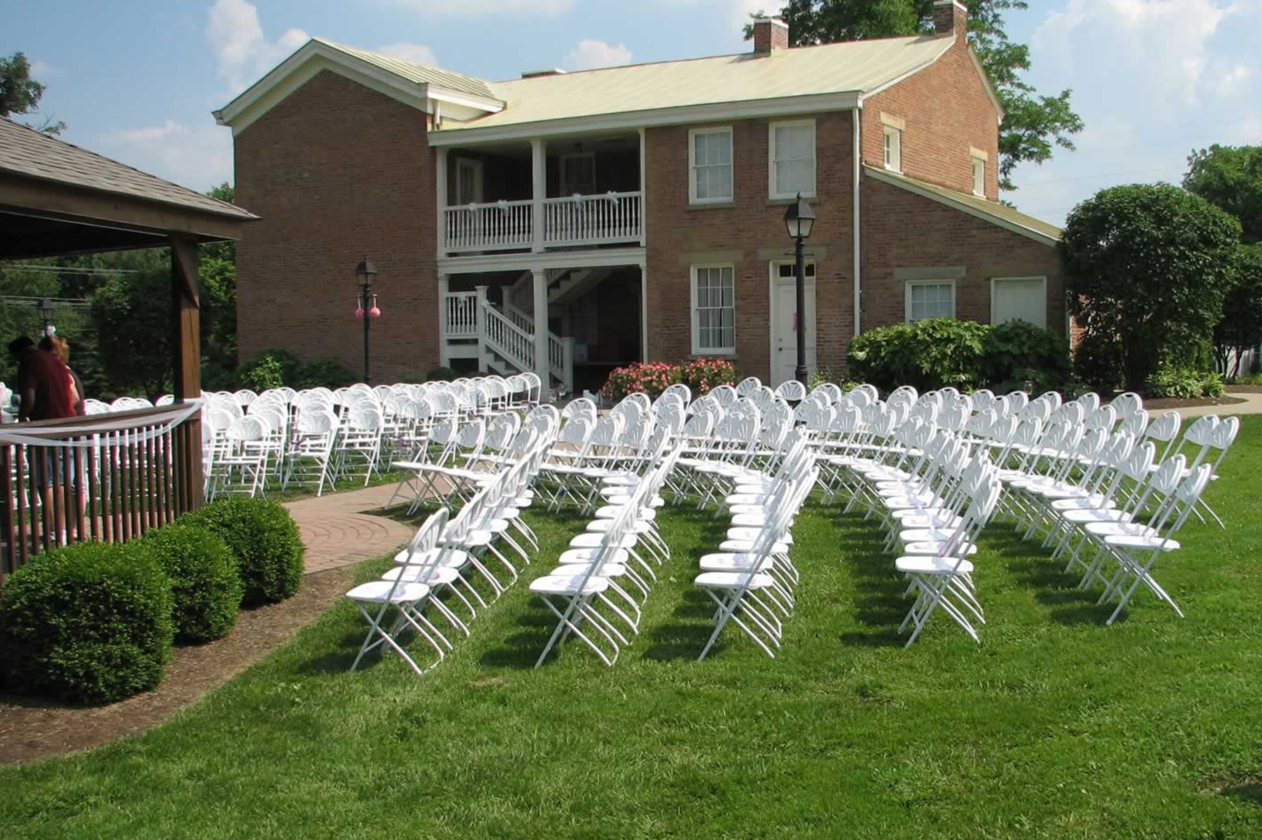 Elisha Morgan Mansion outdoor seating